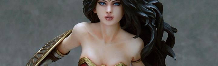 Wonder Woman Statues & Figures