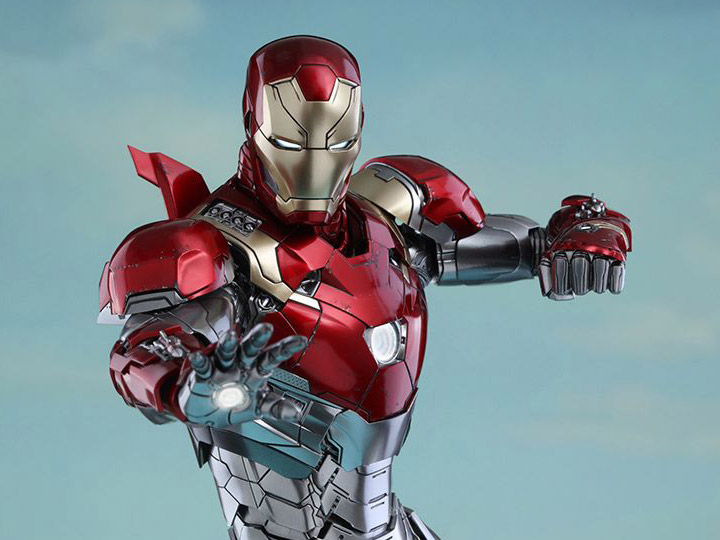 Hot Toys Spider-Man: Homecoming Iron Man (Mark XLVII)