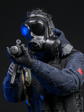 Pocket Elite SAS CRW Assaulter 1/12 Scale Figure
