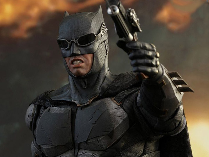 New Hot Toys 1/6 and 1/4 Scale - Batman, Joker, Hulk, Iron Man & More